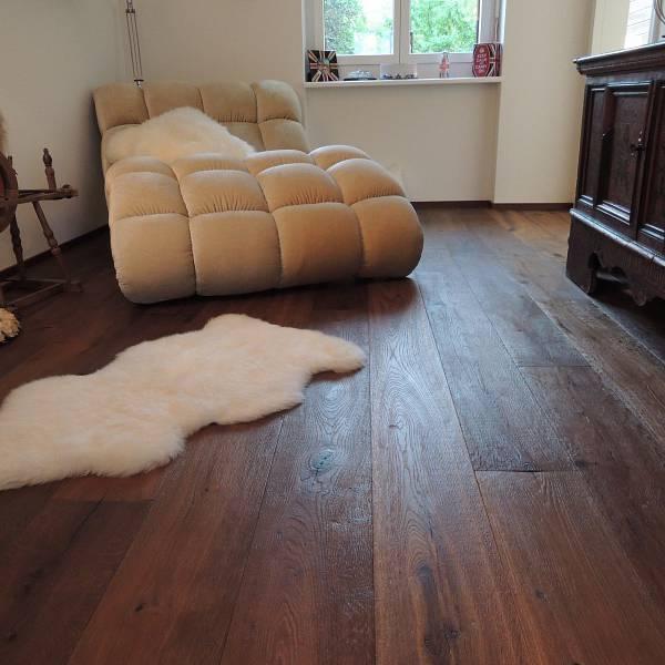 vinylboden auf laminat verlegen interesting die verlegung muss dabei quer zur der holzdielen. Black Bedroom Furniture Sets. Home Design Ideas